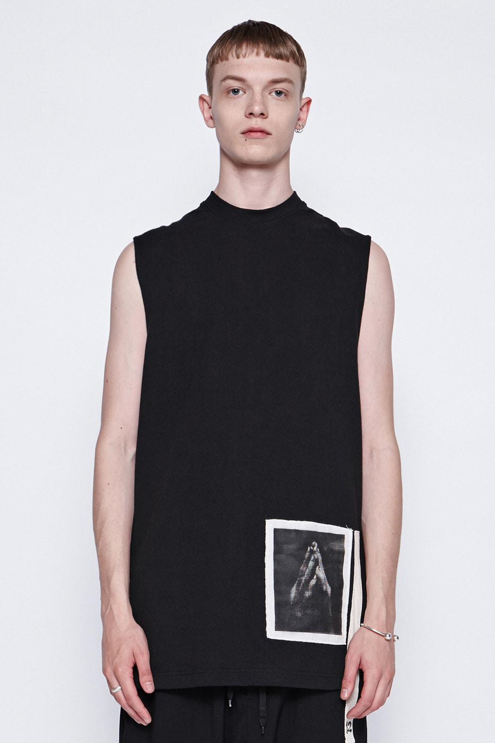 [19SS][70% 세일] Pray Sleeveless T-Shirts (BK)